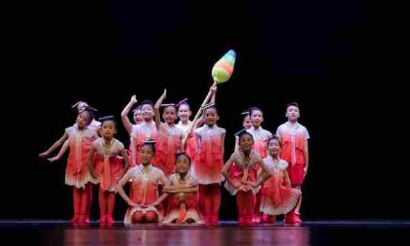 广东省第五届少儿舞蹈大赛在友谊剧院举行